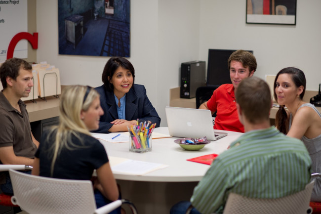 Associate Dean & Executive Director Arlene Finkelstein Meets with Students in TPIC's Offices